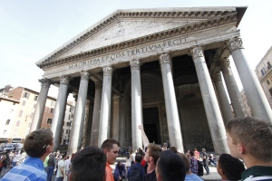 Benedictine College Preparatory on tour at the Pantheon!